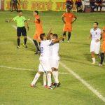 Vitória goleia e assegura permanência na elite do futebol pernambucano