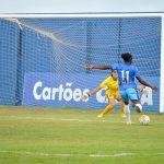 Vitória joga melhor, mas perde para o Corinthians